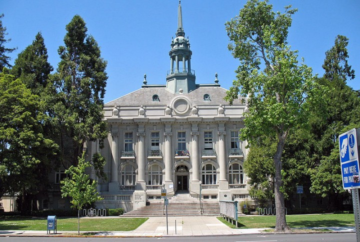 Old City Hall, where the Berkeley City Council still meets, is seismically unsafe. The U.S. Postal Service has said that limiting uses in the civic center historic district will make it harder to raise the money needed to repair buildings in the area. Photo: Wikimedia Commons