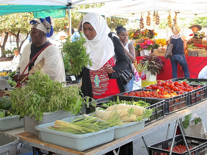 Shoppers at the Tuesday Farmers' Market. Photo: Nancy Rubin