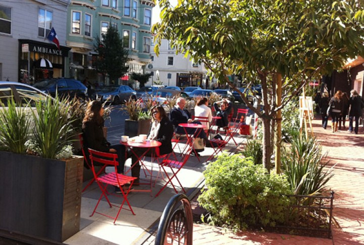 A parklet in San Francisco's Noe Valley neighborhood. Photo: San Francisco Pavement to Parks