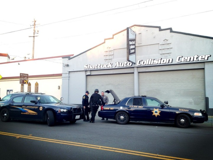 Alameda County sheriff's department canine units were on scene as of about 5:40 p.m. Photo: Emilie Raguso
