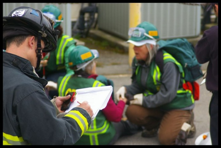 In the city's CERT Academy training, residents learn how to respond during emergencies. Photo: Khin Chin/Berkeley Fire Department