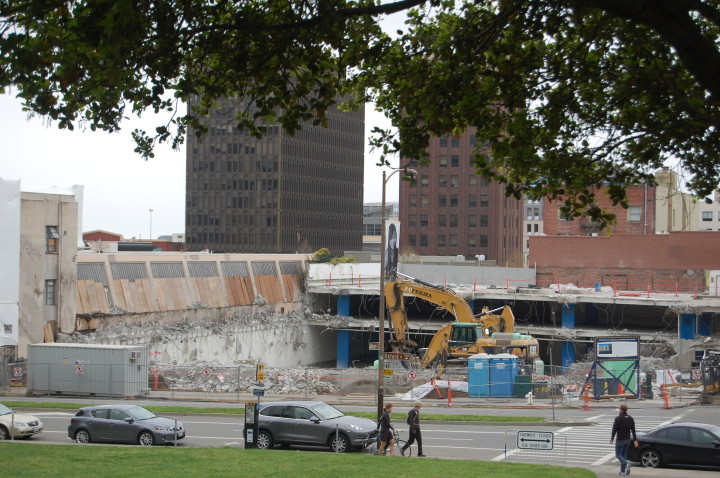 A uc berkeley parking garage at oxford and addison is being torn down as part of the construction of a new bam pfa photo tracey taylor