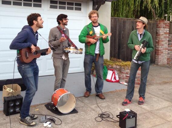Traditional banjo – banjo – tambourine – synthesizer group for National Night Out. Photo: Kester Allen