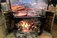 Berkeley barbeque? You can dream: this is Texas' Salt Lick BBQ, but . Photo: WallyG