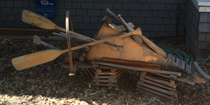 Sculpture at 1118 Colusa Avenue.  Photo: Tom Dalzell