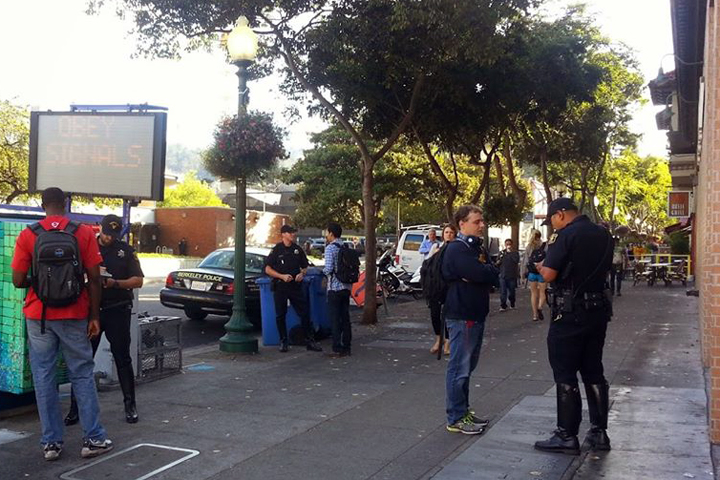 Police ticked pedestrians last fall during a pedestrian operation similar to the one planned in Berkeley on Saturday. Photo: Eric Panzer