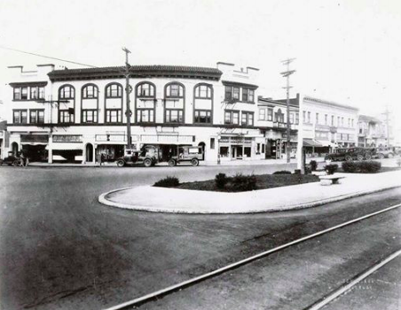 Adeline is so wide because it was part of the Key Route streetcar system, which ran from 1903 to 1960. The privately-owned company later became AC Transit. Image: City of Berkeley