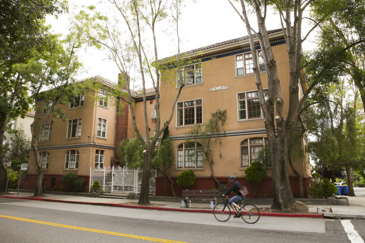The owners of this rent-controlled apartment complex at 3100 College Ave. are renting out three of its apartments on Airbnb. Berkeley law does not allow rentals shorter than 14 days. Photo: Melati
