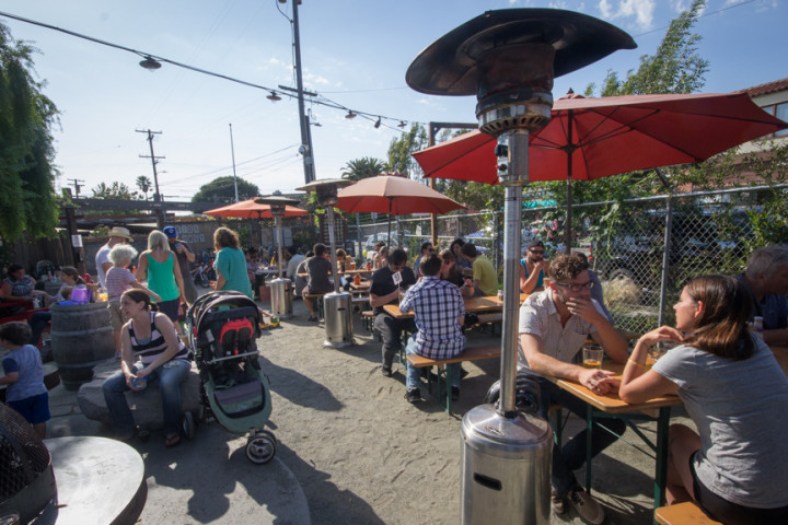 The best time to visit a beer garden when the weather is warm. Photo: Benjamin Seto.