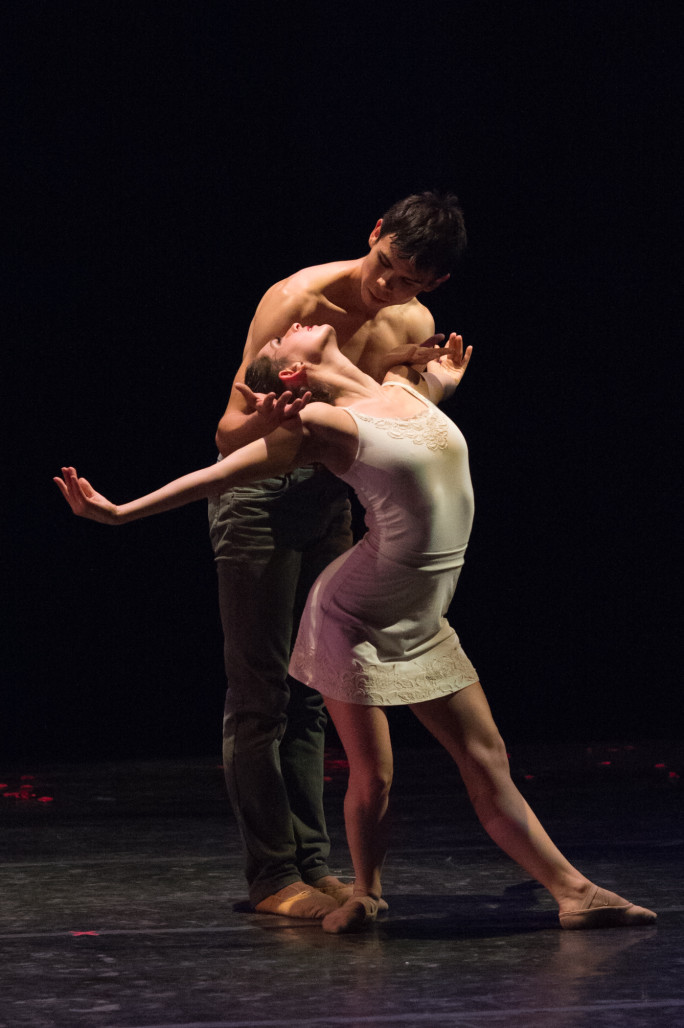 Ramona Kelley and Vincent Chavez in Robert Moses' Bloom (Photo: David DeSilva, courtesy Oakland Ballet)