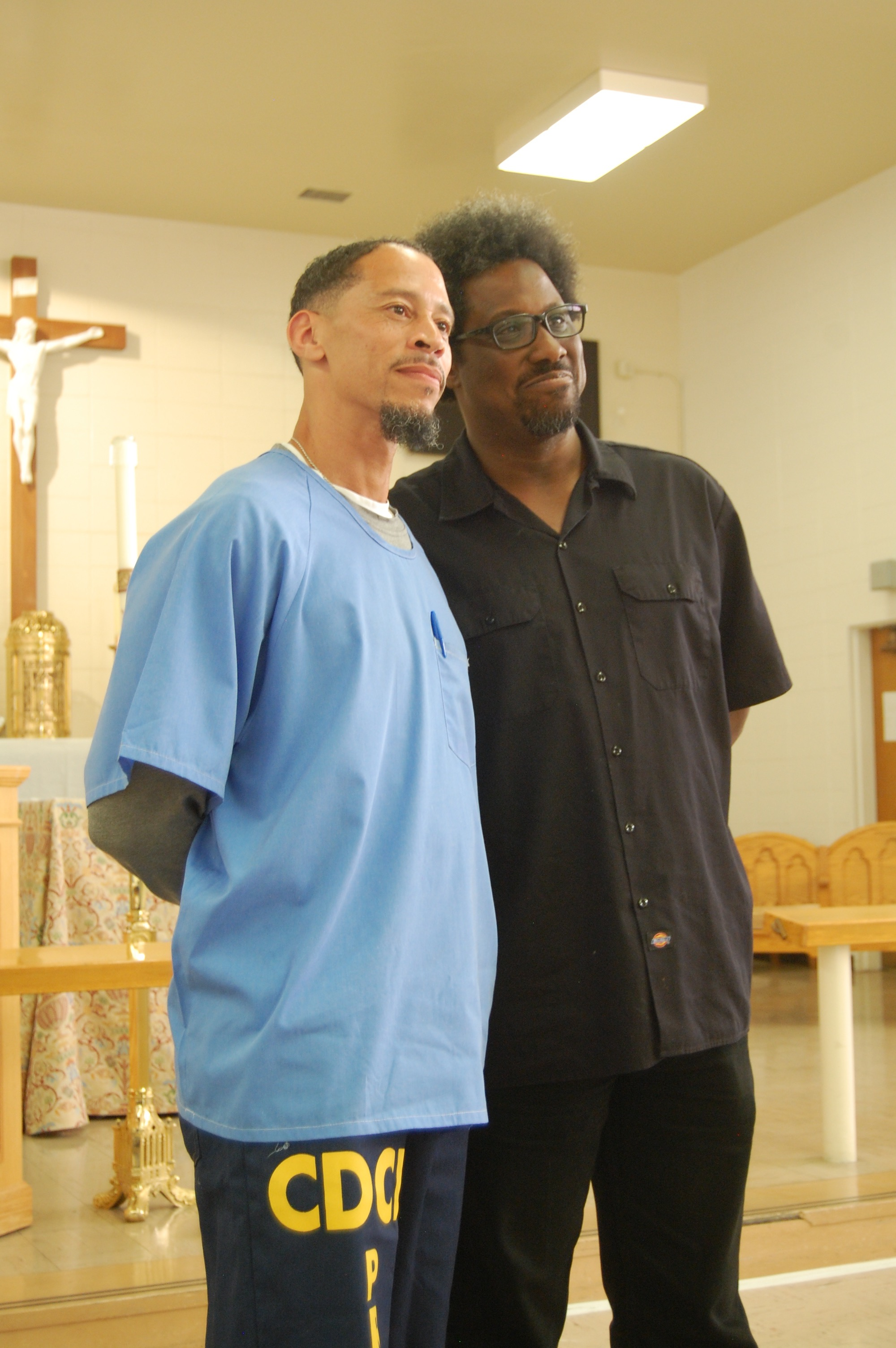 Rahsaan Thomas, editor of the San Quentin News, with comedian W. Kamau Bell. Photo: Lance Knobel