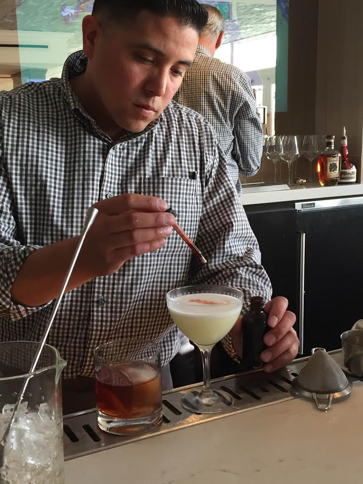 how to become a bartender at 18