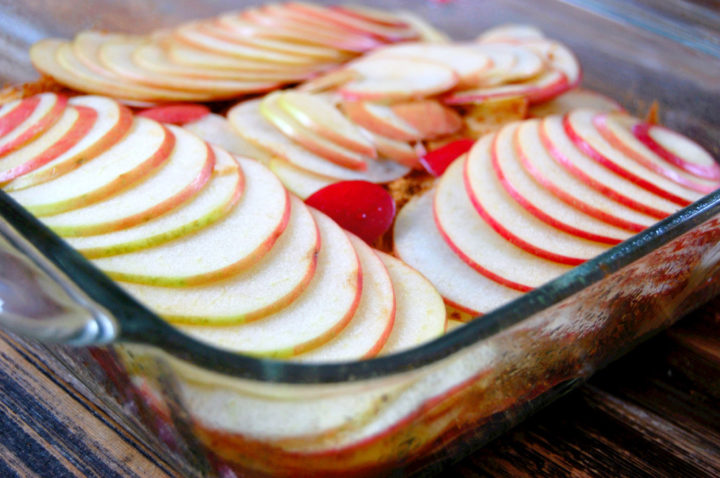 Layering apples for apple crisp. Photo: Marisa Westbrook