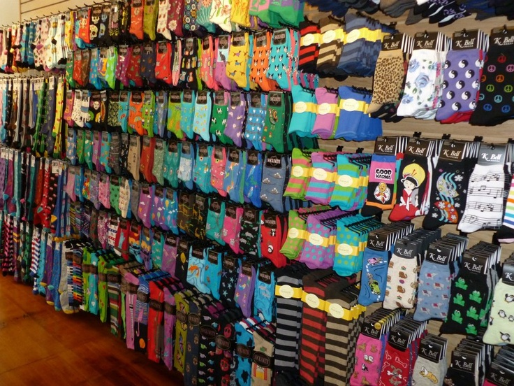 ShopiSocks™ Online Shopping from the earth's biggest selection of socks for men and women. Knee brace, support sleeve, compression socks.