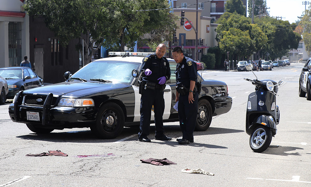 After thefts, man hurt while clinging to robbery getaway car in Berkeley