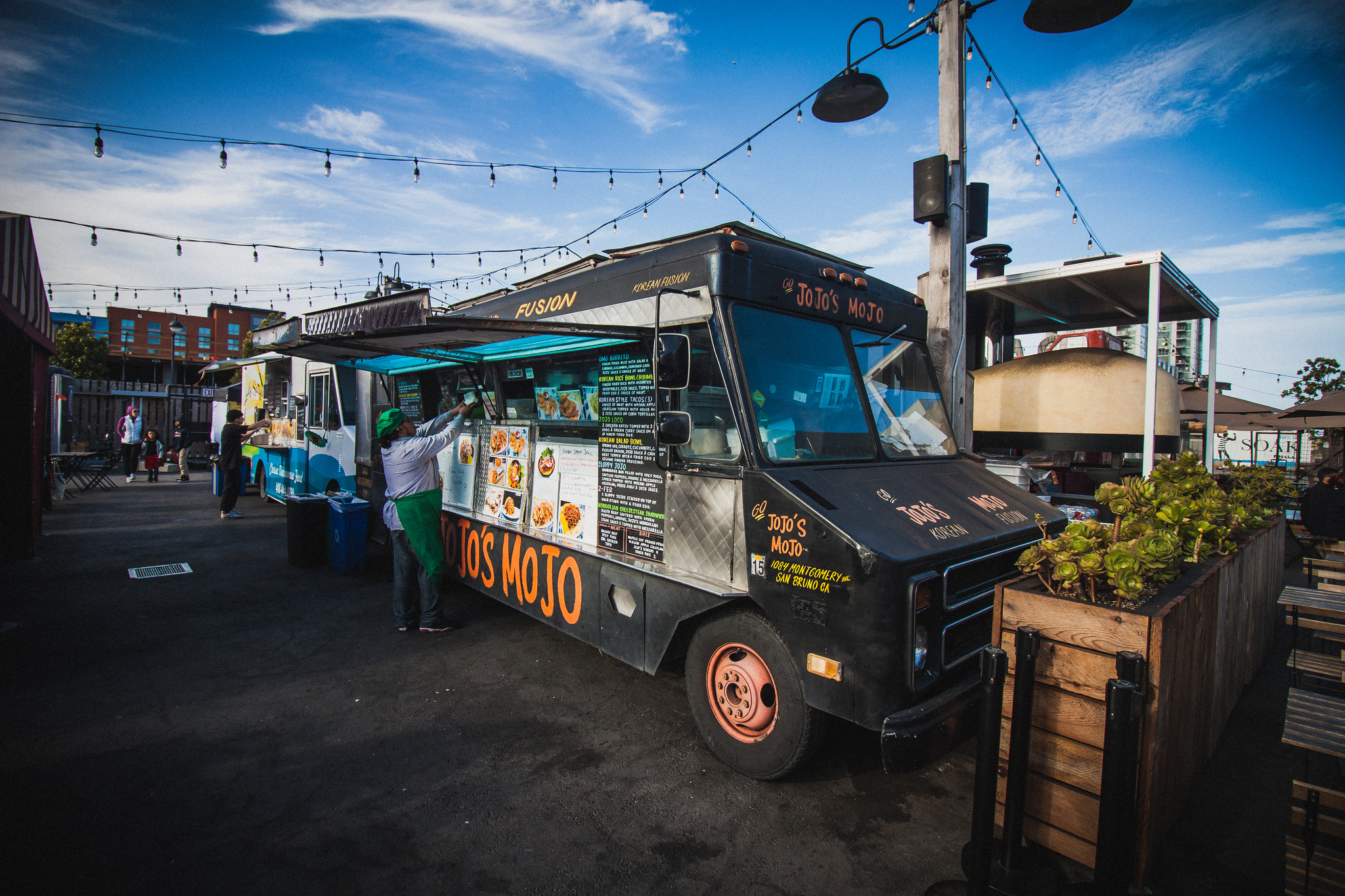 Plans for a huge food truck marketplace in berkeley are in for Food truck plans