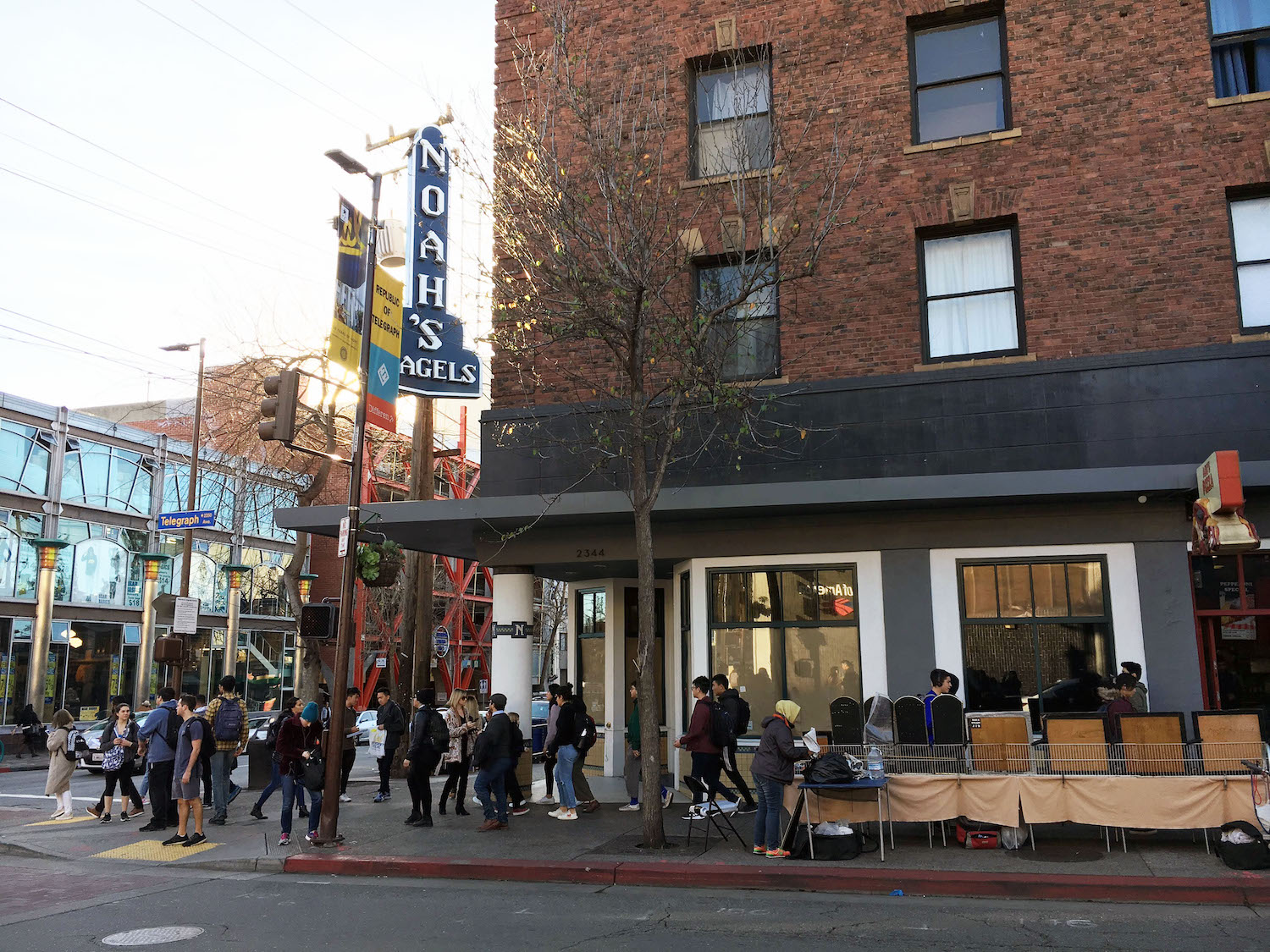 Bites Noah S Bagels Telegraph In Berkeley Closes Plans For