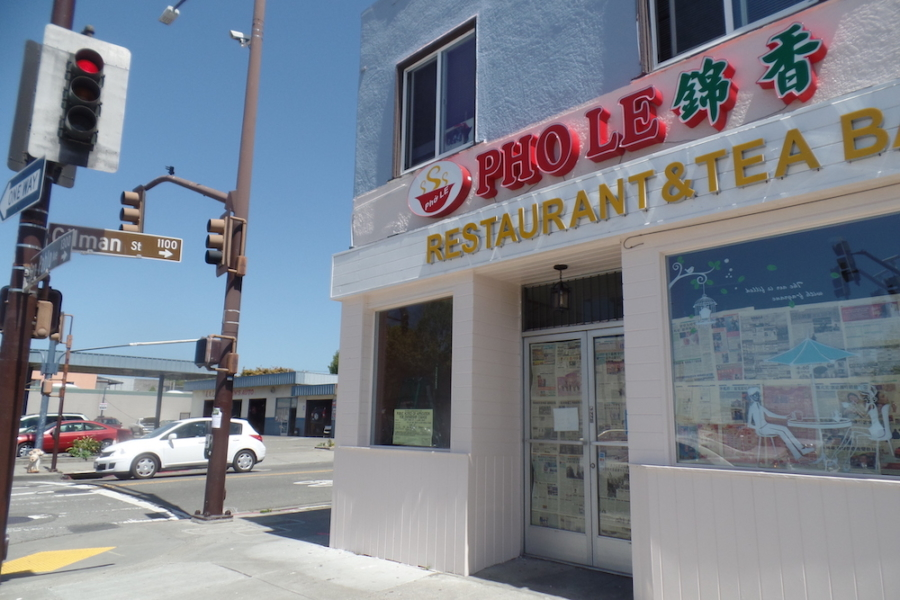 Signs for Pho Le are up at the former Crave Asia restaurant in Berkeley.