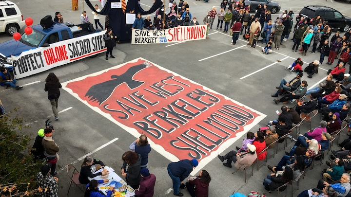 protest in berkeley to save the shellmound